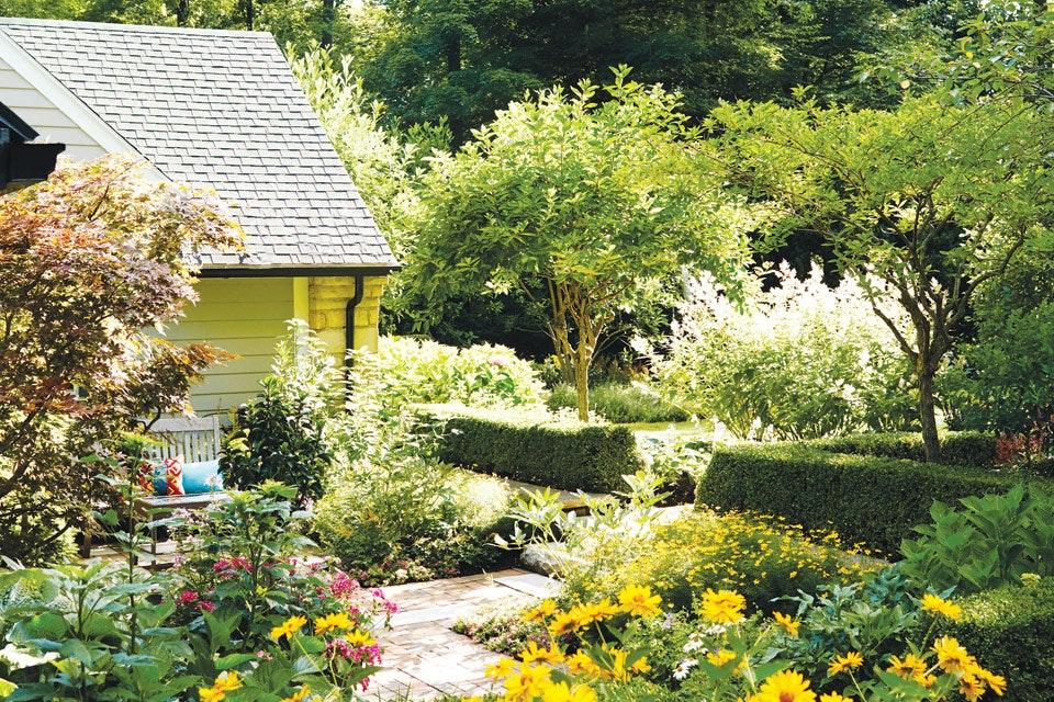 Thorn-Garden-scene